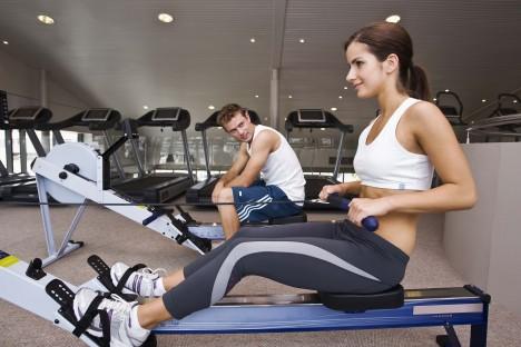 Obětí otravy nemusí být jen sportovci. Může nastat i u lidí se sedavým zaměstnáním, kteří se například o víkendu věnují nárazově těžké fyzické práci či sportu.