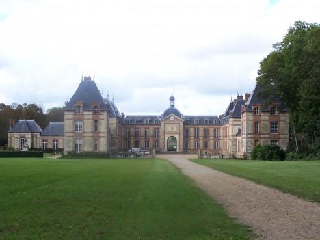 Francouzský zámek Jouars Pontchartrain se stal v 17. století dějištěm velkolepé královské hostiny.