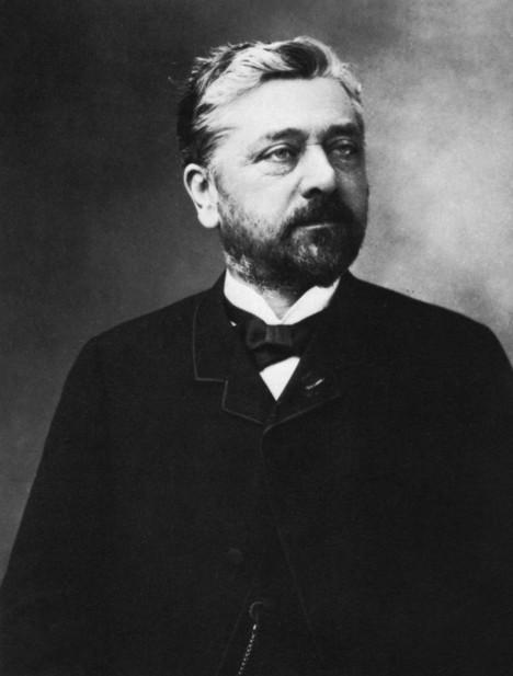 Gustave Eiffel zkouší svůj projekt udat nejdříve ve španělské Barceloně.