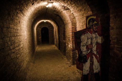 Podzemní chodby mají kolem 45 kilometrů, přístupné turistů jsou jen některé.