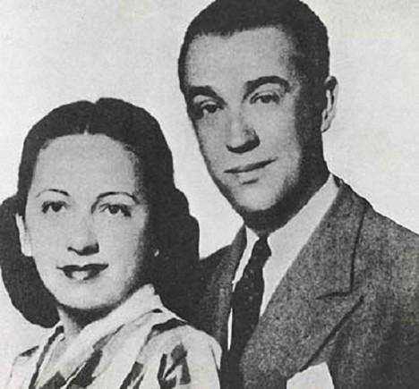 Prezident se svojí ženou Sarah Gomes de Lemos Kubitschek, která mu vytváří rodinné zázemí.
