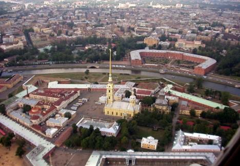 K nejznámějším stavbám v Petrohradu patří např. proslulá Petropavlovská pevnost.