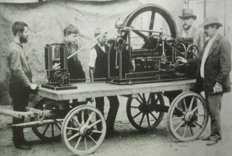 Lokomobil z roku 1888 také pohání motor Siegfrieda Markuse.