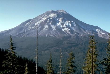 Mount_St._Helens,_one_day_before_the_devastating_eruption