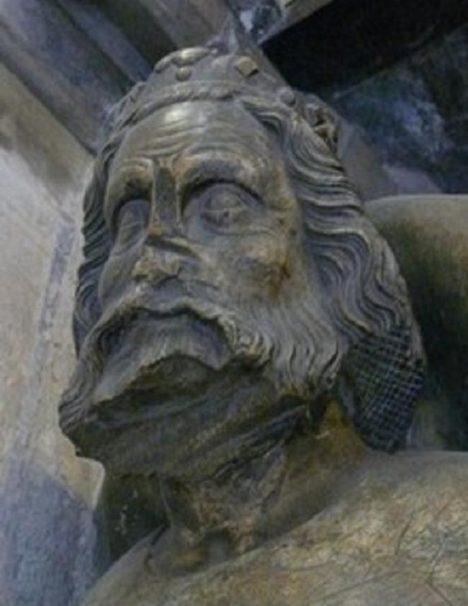 Náhrobek českého krále má uražený nos. Výzkumy tvrdí, že ve skutečnosti měl panovník nos s mírným hrbolkem.