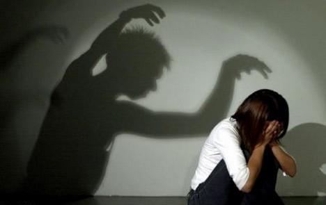 Nejčastějším pachatelem násilí na ženách je někdo z rodiny