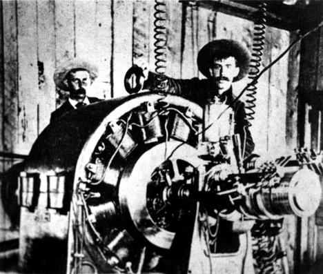 Propagátorům střídavého proudu se hodí, že poprava pomocí stejnosměrného proudu se příliš nepovede.