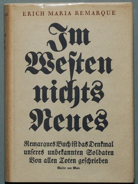 Román Na západní frontě klid, v originále Im Westen nichts Neues, sklízí ohromný úspěch.