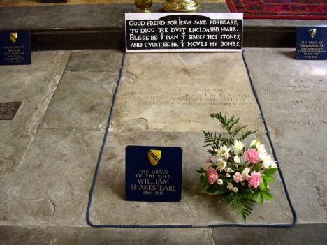 Shakespeare_grave