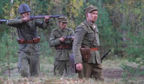 Sucharskiho houževnatý odpor po válce zvěční spisovatel Wańkowicz v povídce Westerplatte.