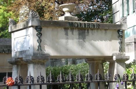 Už na počátku 19. století se na hřbitov Pére Lachaise dostanou ostatky francouzského dramatika Moliéra.