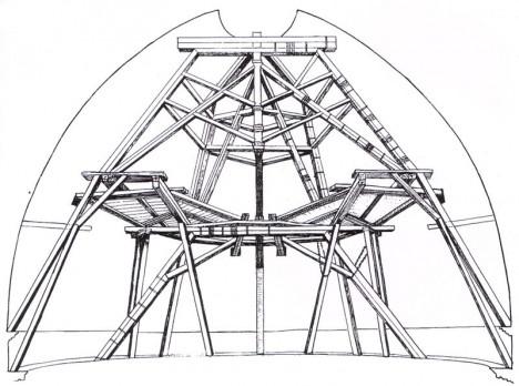 Vnitřní trámová výztuž k postavení mohutné kupole bohatě postačí. Technické řešení v praxi funguje.