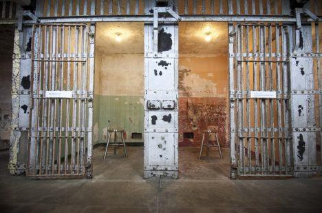 Cely věznice dýchají ponurou atmosférou.