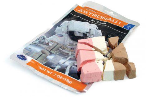 Zmrzlina astronautů připomíná na pohled spíš nějaký typ sušenky.
