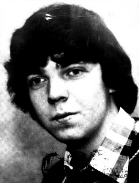 Atentátníkem byl jedenadvacetiletý Gundolf Köhler, který zemřel při výbuchu vlastní nálože.