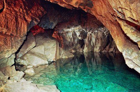 Z jeskyně byla dosud prozkoumána jen část.