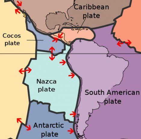 K vytvoření Andského sopečného pásu v Jižní Americe vedlo dělení zemských desek.