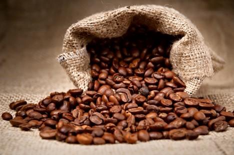 Největším pěstitelem kávy na světě je Brazílie, která ročně vyprodukuje 2 874 tun kávy.