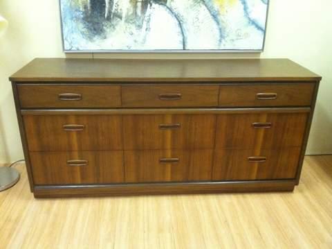 mid century modern mahoganyt dresser Bassett