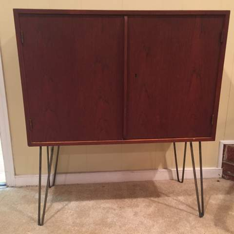 Mid Century Rosewood Cabinet On Hairpin Legs At Epoch