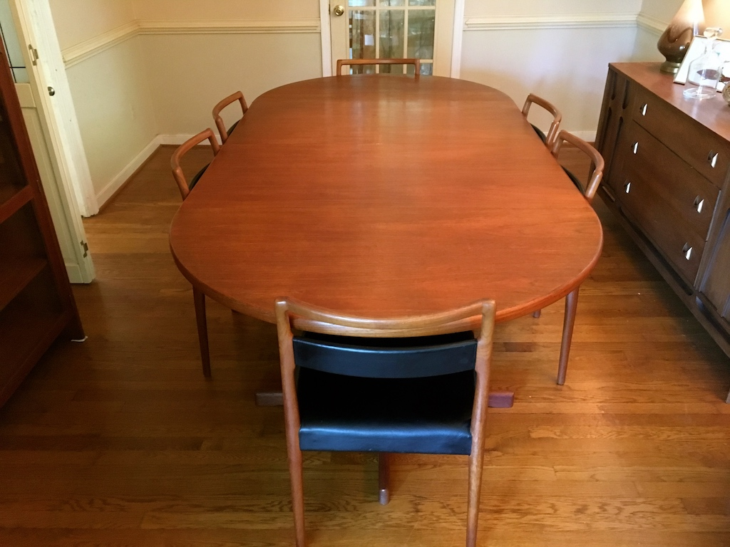 Danish Modern Teak Dining Table With Six Chairs By Munch