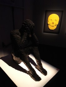 sculture-lego-the-art-of-the-brick-scheletro