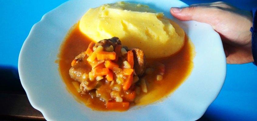Gulash con polenta con  Monsieur Cuisine Plus