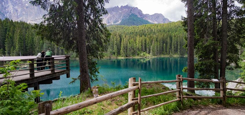 Il Lago di Carezza in Alto Adige: meta per tutta la famiglia