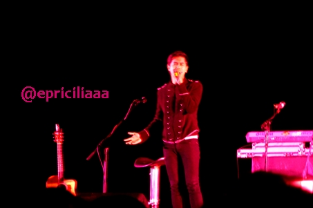 F.Y.I on stage with Lunafly, Jakarta, March 28th 2013 - Rio S9B.