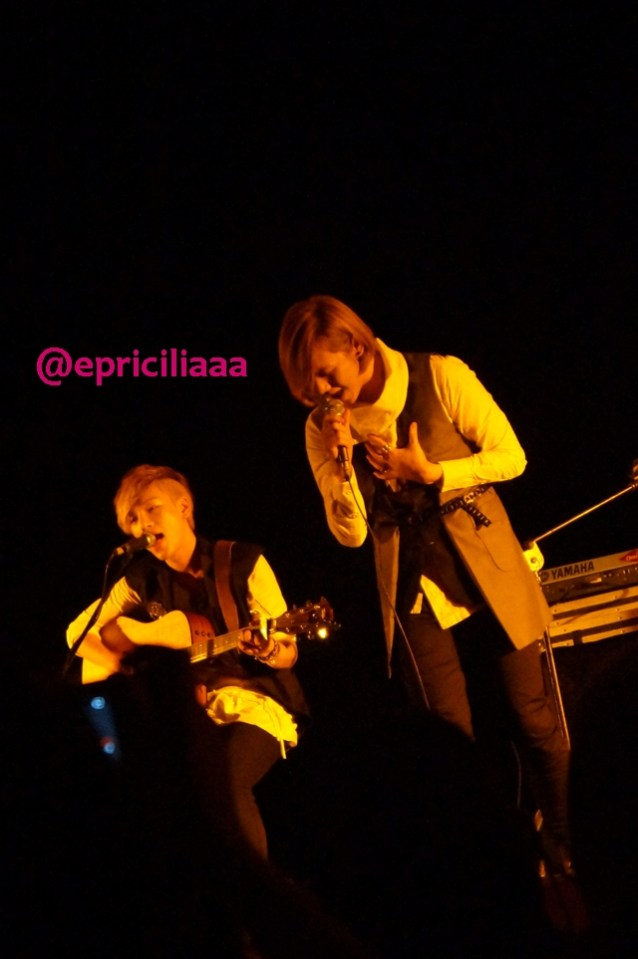 F.Y.I on stage with Lunafly, Jakarta, March 28th 2013 - Kesayangan.