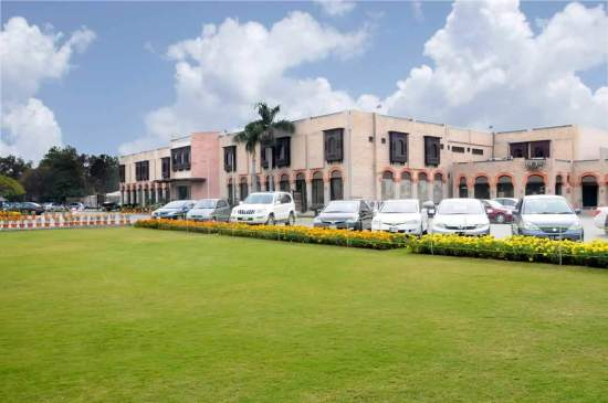 Defence Club Sector J Phase I DHA Lahore