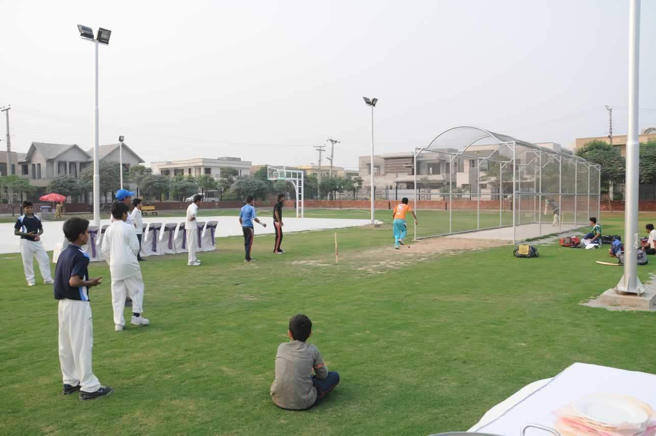 Net practice at Sports Complex Sector G Phase V DHA Lahore