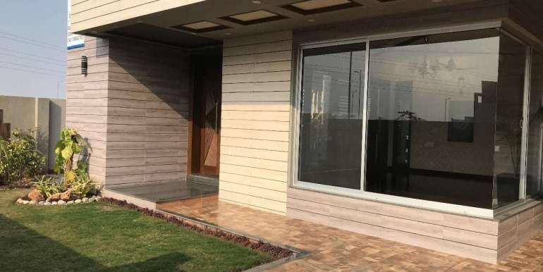 1 Kanal Home for sale in Sector F Phase 6 Lahore # 13 (19)
