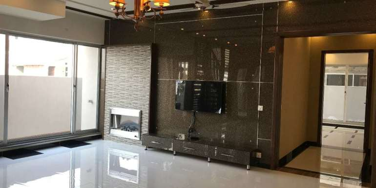 1 Kanal Home for sale in Sector F Phase 6 Lahore # 13 (24)