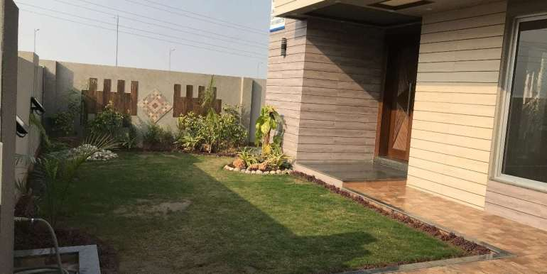 1 Kanal Home for sale in Sector F Phase 6 Lahore # 13 (27)