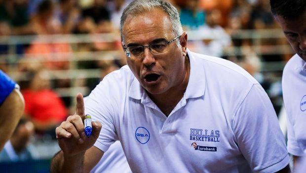 """Σκουρτόπουλος: """"Πρώτος στόχος η πρόκριση, να αρχίσει μία σταδιακή ανανέωση στην Εθνική"""""""