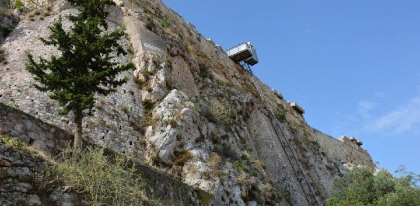 «Ναι» ομόφωνα από το ΚΑΣ: Στην Ακρόπολη με ασανσέρ