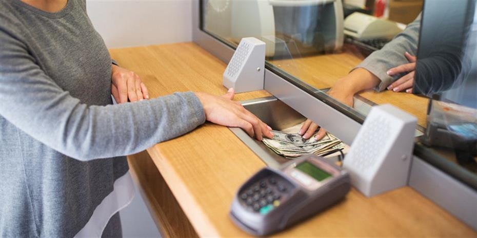 Κορονοϊός – Ποιες συναλλαγές ΔΕΝ θα γίνονται στις τράπεζες