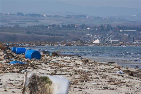 Ερώτηση βουλευτών του ΚΚΕ για τις Αλυκές Πιερίας - Να σταματήσει η μετατροπή τους, σε θαλάσσια χωματερή