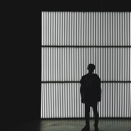 Σκέψεις άσπρο μαύρο: μήπως ήρθε η στιγμή να διευρύνουμε την χρωματική παλέτα των εμπειριών μας; - The Psyminders