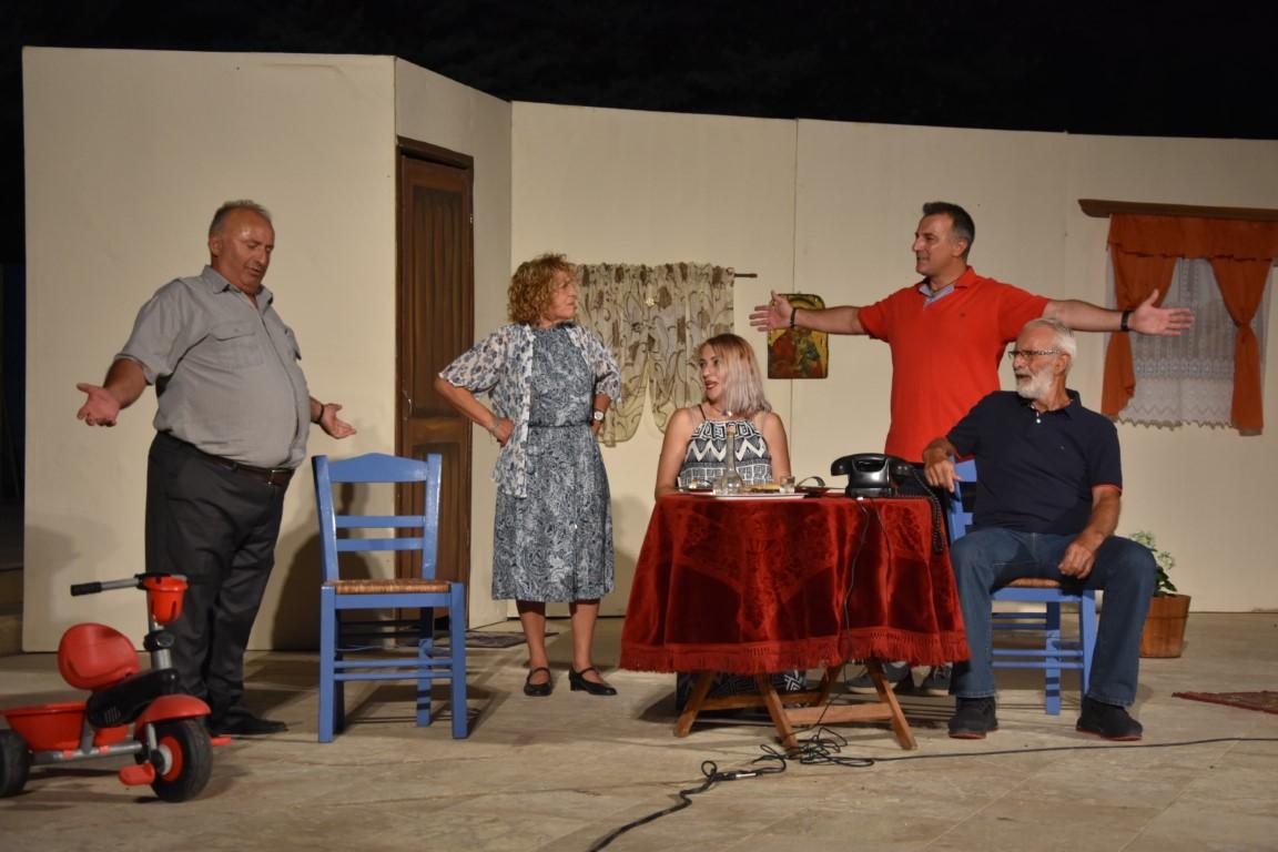Μια υπέροχη ποντιακή θεατρική βραδιά από την Ποντιακή Θεατρική Σκηνή και τον Εύξεινο Πόντο Κορινού