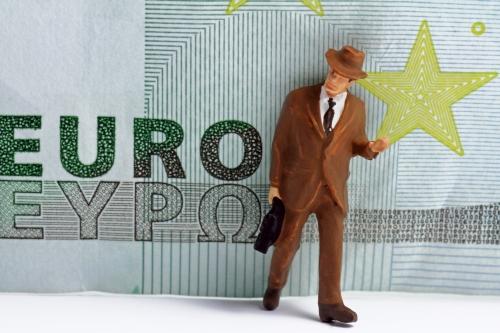 Regulating bankers' bonuses