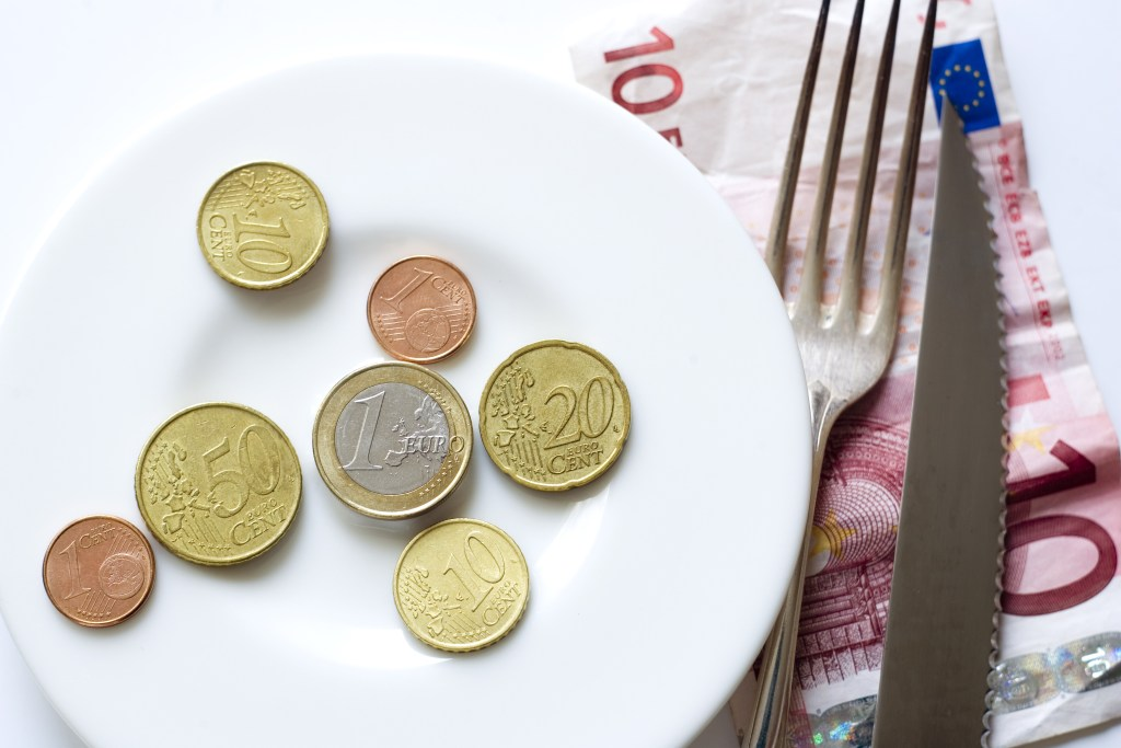 What is the EU doing to fight against poverty and social exclusion?