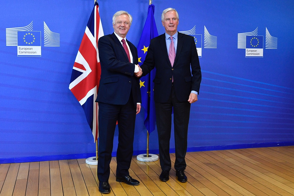 EU and UK positions on citizens' rights: First phase of Brexit negotiations