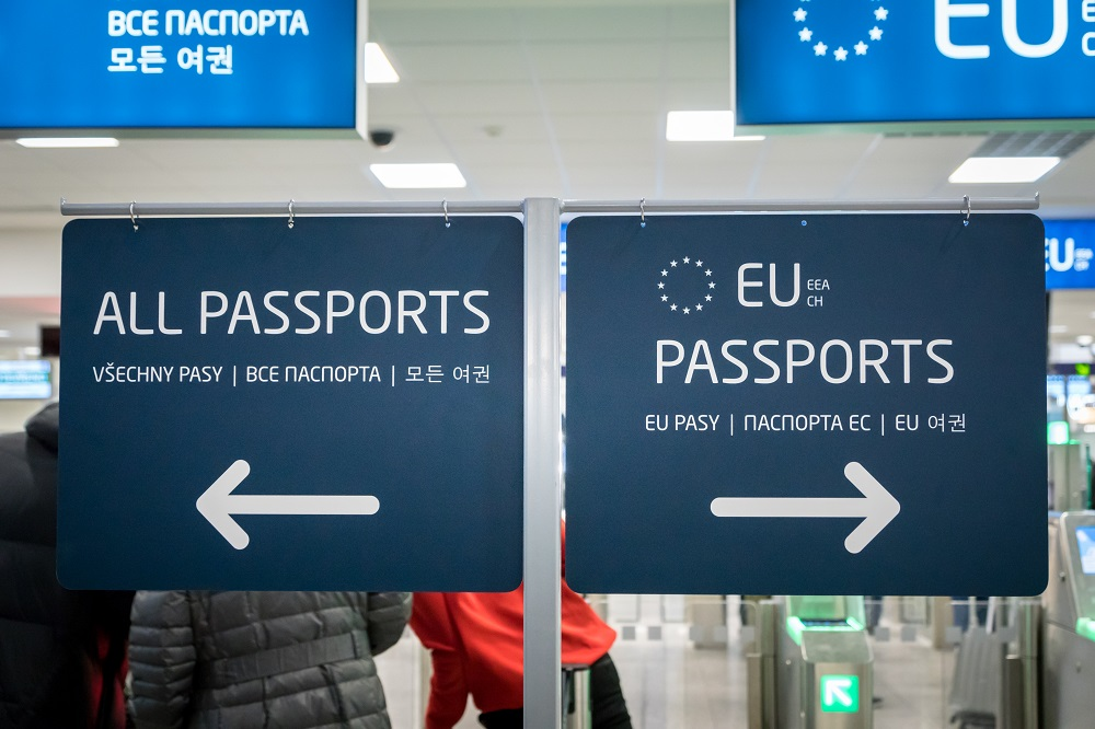 Acquisition and loss of citizenship in EU Member States: Key trends and issues