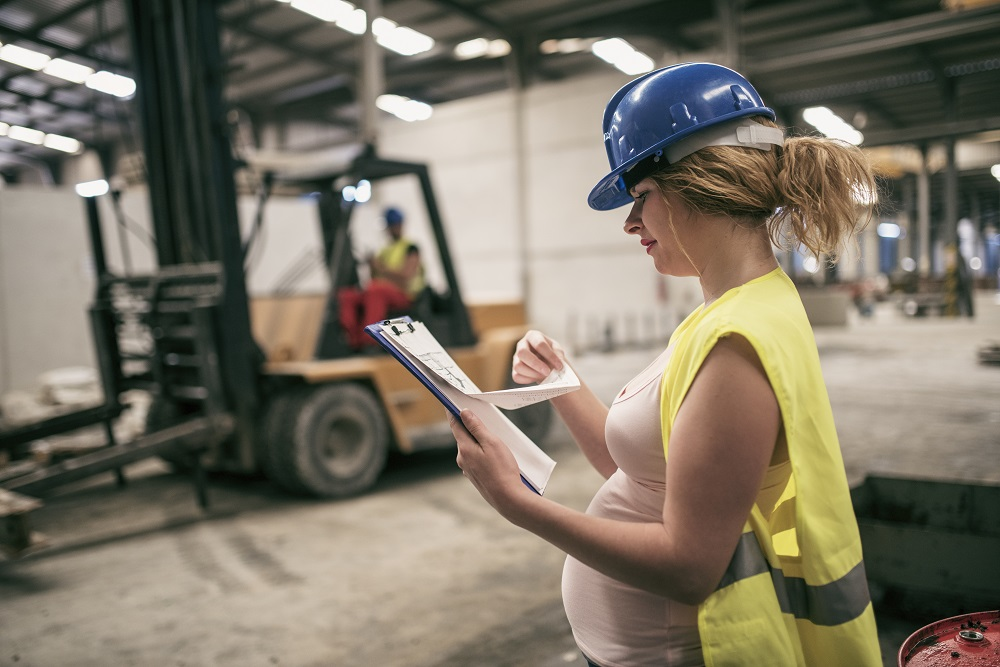 Pregnant women at work [What Europe does for you]