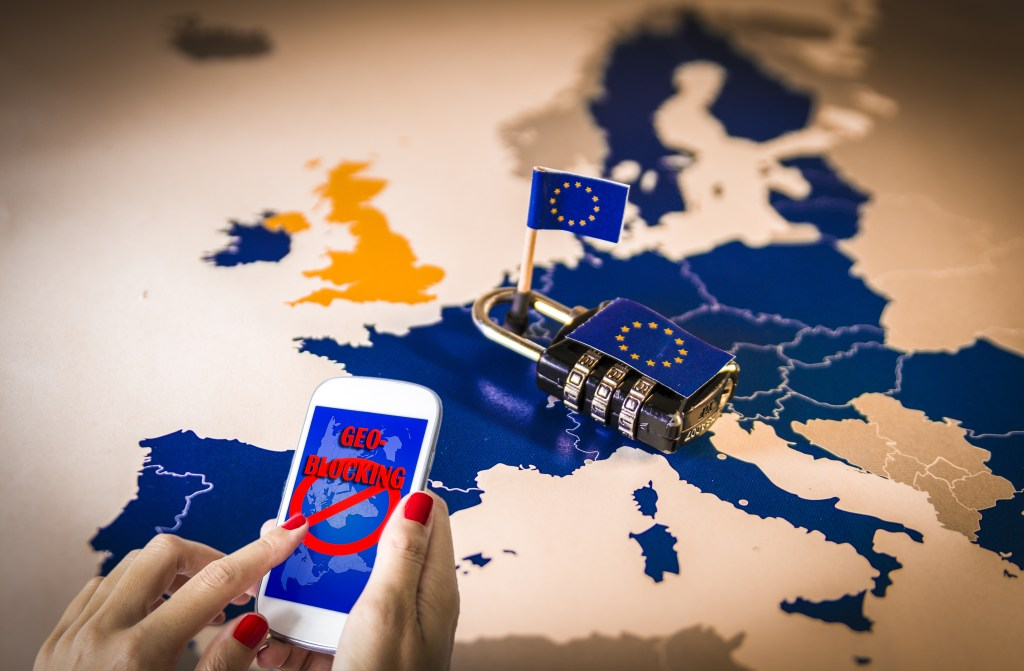 What is the EU doing to enable citizens to access online content when travelling within the EU?