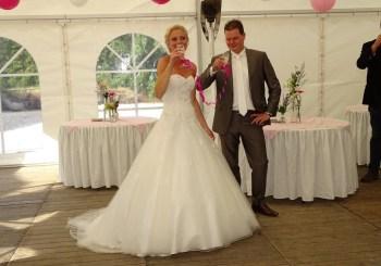Vier jullie bruiloft thuis !!!