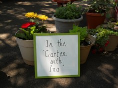 In the Garten with Ina Greeted the guests as they entered the event.