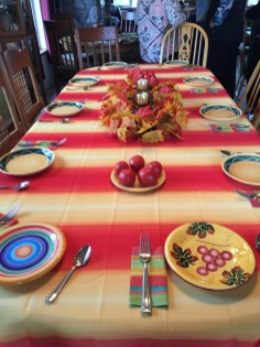 A colorful autumn table to enjoy our tapas at.